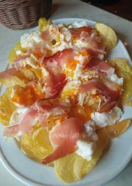 Huevos rotos con patatas y jamón para torpes