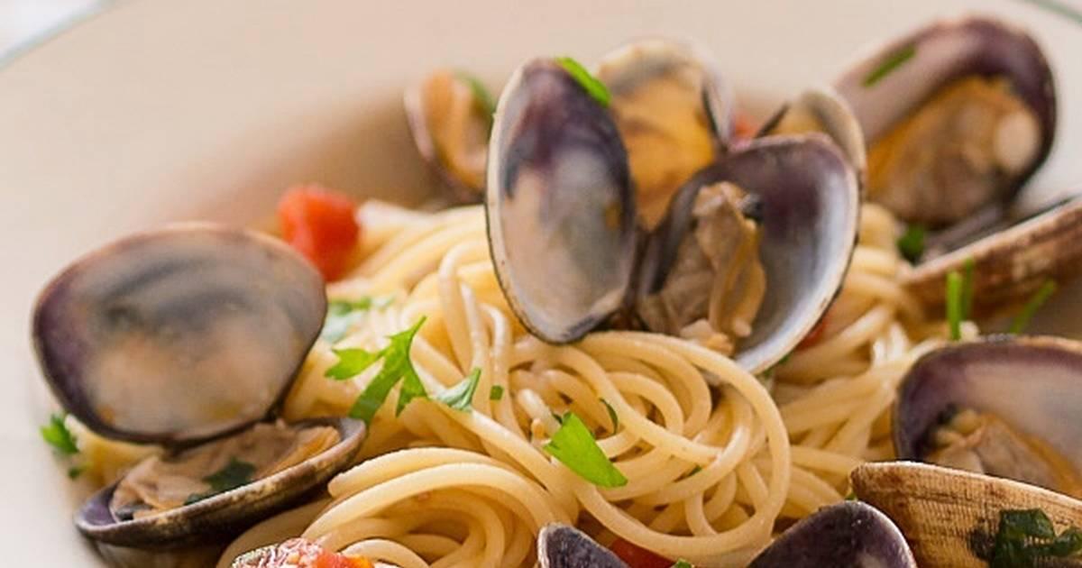 Espaguetis con almejas 51 recetas caseras cookpad - Espaguetis con almejas ...