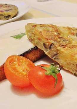 Tortilla de berenjena, patata y cebolla