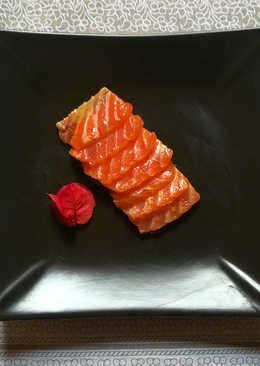 Salmón marinado con cítricos y jengibre