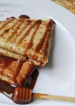 Crepes con miel y crema de avellanas