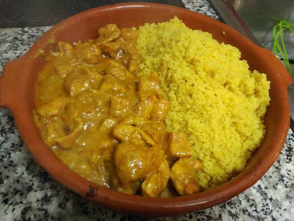 Pollo al curry Thai con cuscús