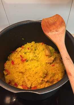Arroz con pollo/ Paella
