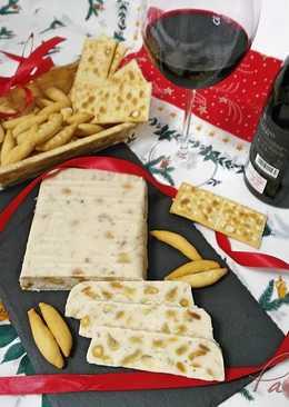 Turrón de queso manchego con frutos secos