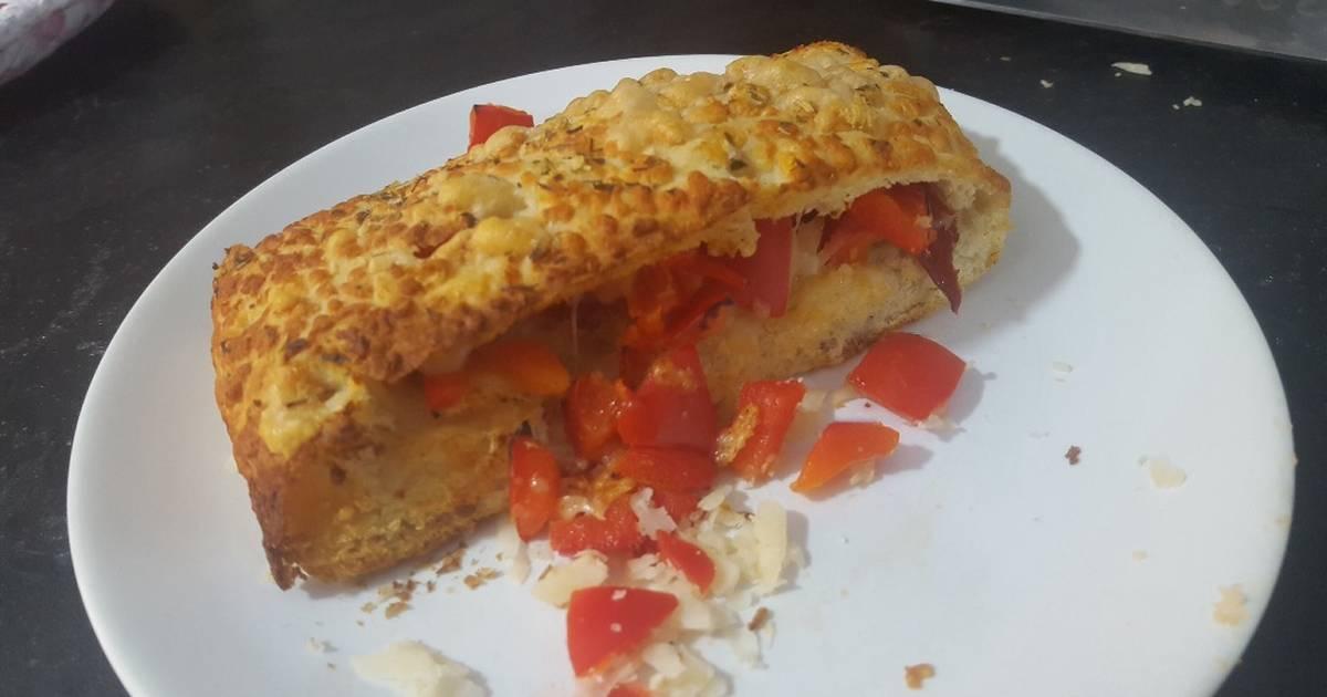 Resultado de imagen para Focaccia con tomate y queso fresco