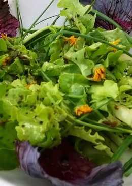 Ensalada La Huerta de Olot (Mercado magnífico donde encontrar variedades ecológicas deliciosas