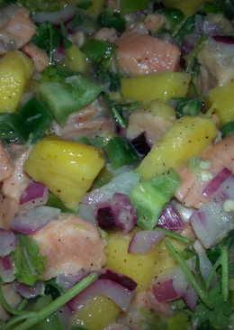 Ceviche de salmón tropical