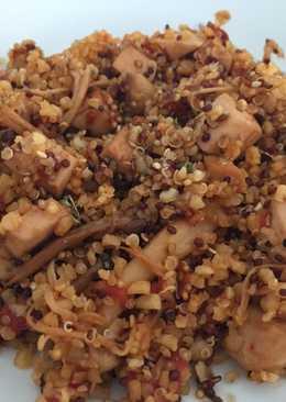 Salteado de quinoa y bulgur con setas
