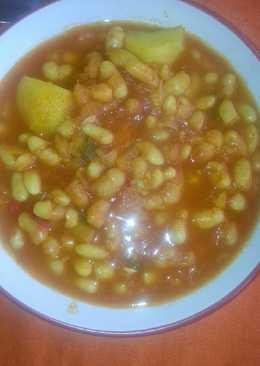 Alubias con tomate (vegano)