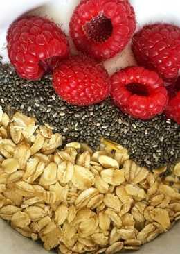 Yogur, cereales y fruta