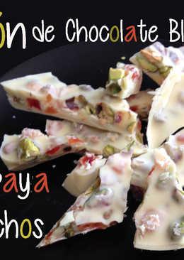 Turrón de Chocolate Blanco con Papaya y Pistachos