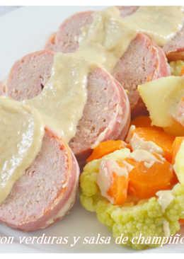 Pan de carne con verduras y salsa de champiñones