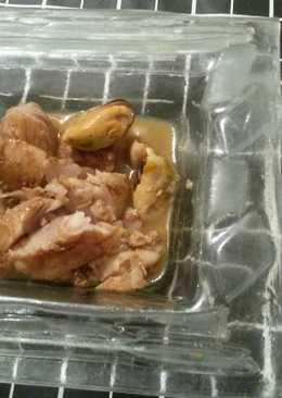 Merluza y mejillones con soja y limon