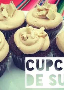 Cupcakes de chocolate con maní (Sublime!)