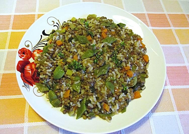 Cocinar Lentejas.Lentejas Con Arroz Blanco Y Judías Planas Vegano Receta De
