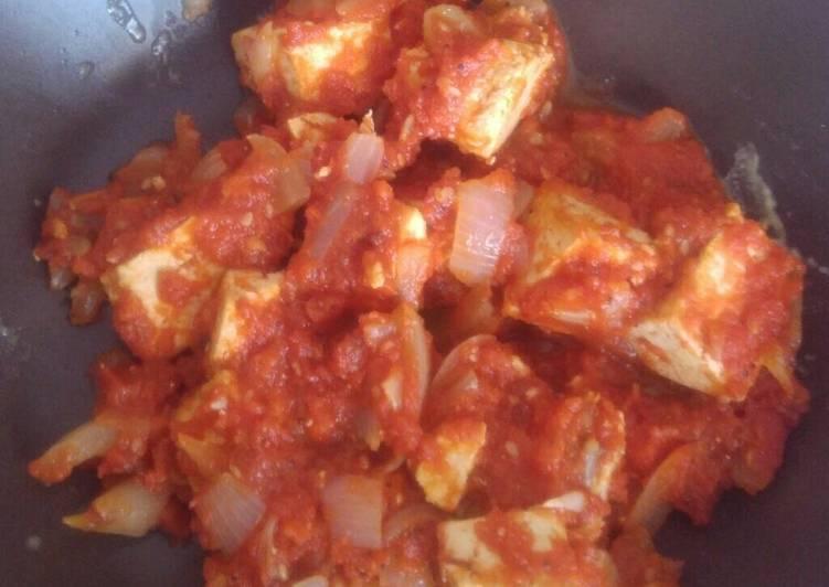 Tofu encebollado