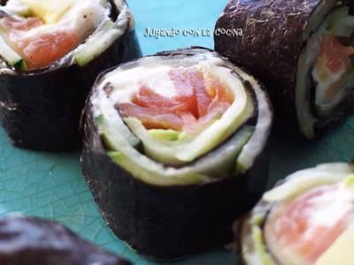 Rolls de alga nori sin arroz, con salmón ahumado y vegetales. Muy fáciles y rápidos