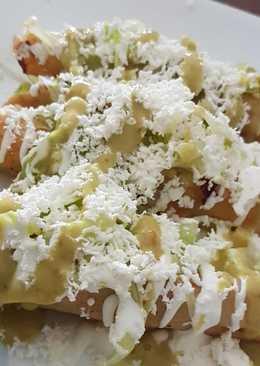 Tacos Dorados de Papa con Queso