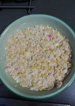 Ensalada de maíz y palitos de cangrejo
