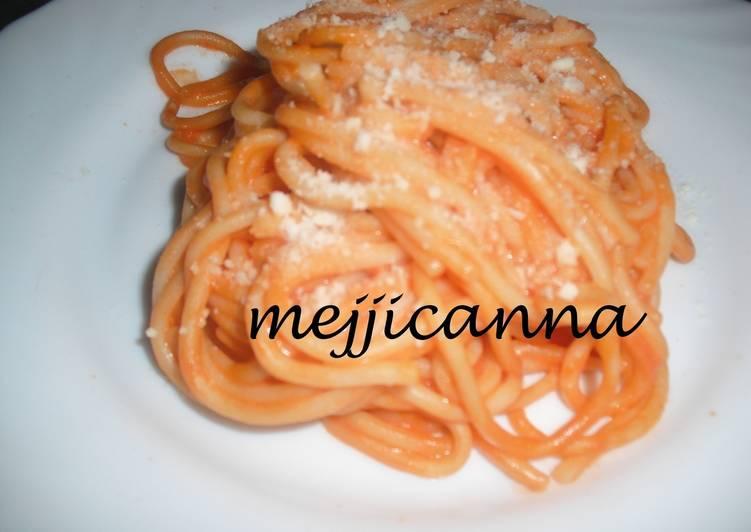 Espaguetis con tomate y nata receta de maggie cookpad - Salsa de tomate y nata ...