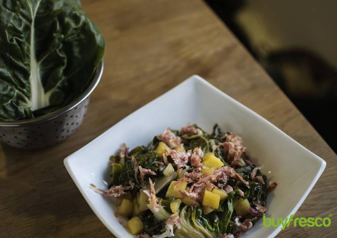 Acelgas con serrano y manzana receta de buyfresco cookpad for Cocinar acelgas