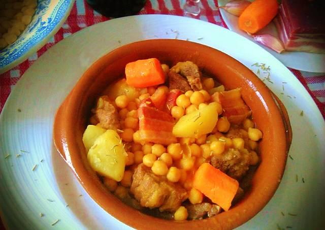 Cocido de garbanzos pedrosillanos receta de - Preparacion de garbanzos cocidos ...