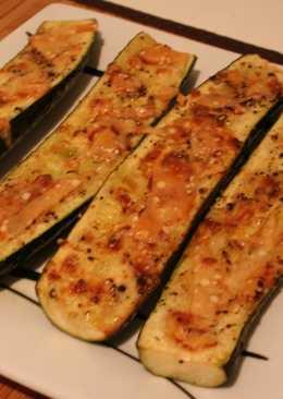 Calabacínes gratinados con queso parmesano