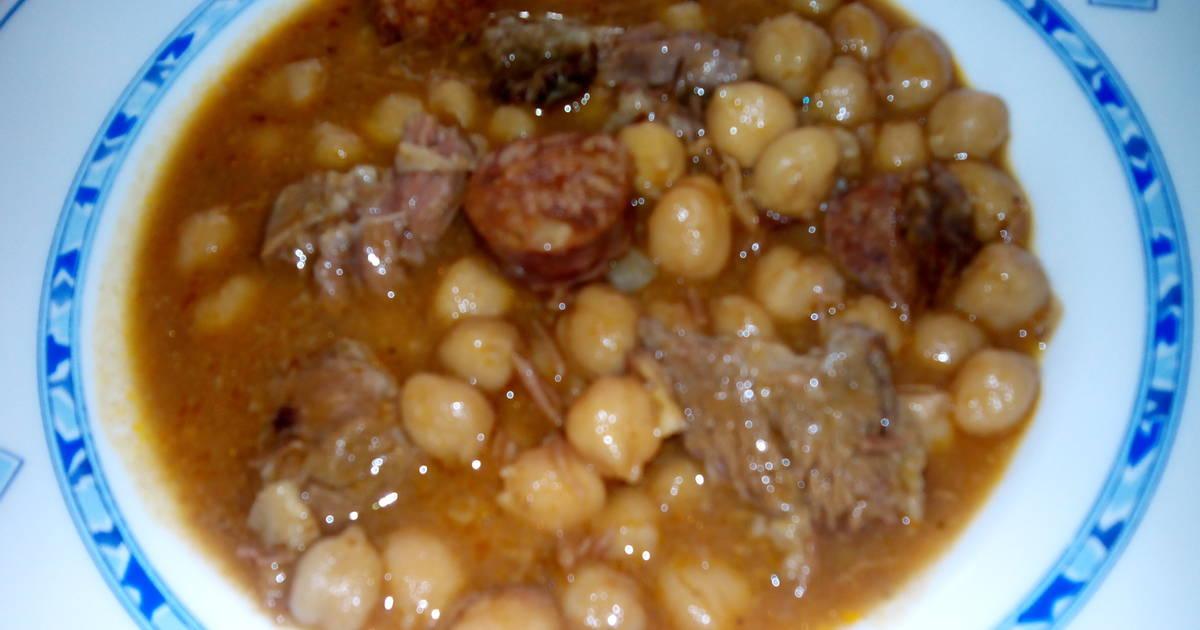 Cocido de garbanzos con ternera receta de marrongal cookpad - Garbanzos con costillas ...
