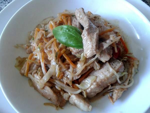Cerdo salteado con verduras o wok de cerdo
