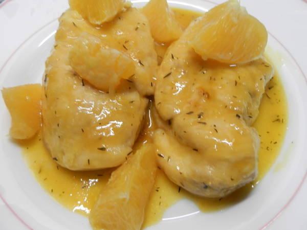 Pechuga de pollo en salsa de naranja