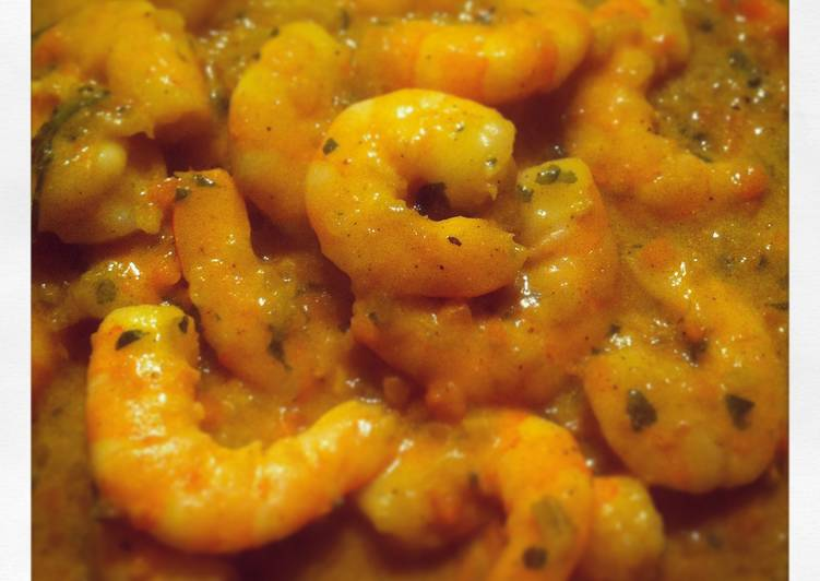 Camarones en salsa curry