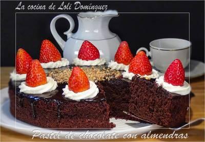 Pastel de chocolate con almendras