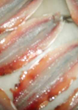 Anchoas (boquerones) rellenas de pimientos del piquillo