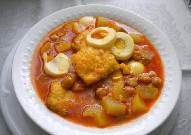 Potaje de garbanzo con bacalao de cuaresma receta de - Bacalao con garbanzos y patatas ...