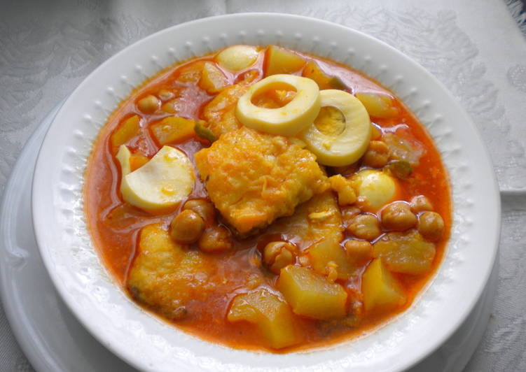 Potaje de garbanzo con bacalao de cuaresma receta de - Patatas en caldo con bacalao ...
