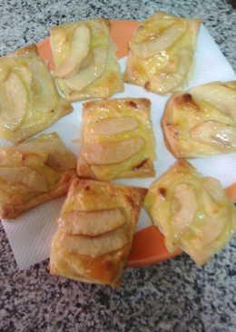 Pastelitos de crema pastelera y manzana