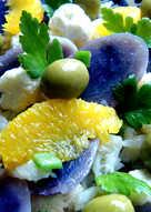 Ensalada de patatas vitelotte y bacalao