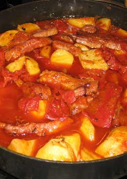 Costilla ibérica con patatas y chorizo