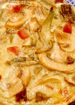 Tarta de alcachofas, champiñones y jamón con base crujiente de avena