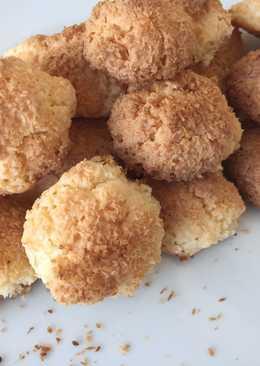 Coquitos o bolas de coco fáciles y rápidas