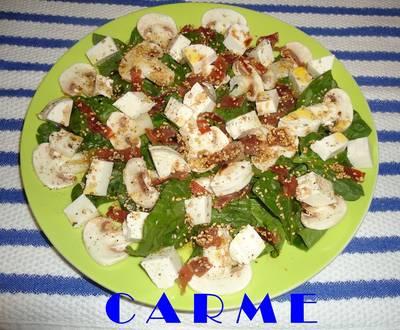 Ensalada de espinacas y queso fresco