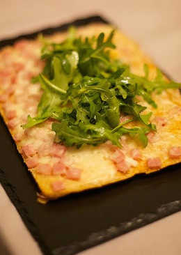 Masa de pizzas con variedad de rellenos