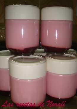 Yogurt de frutilla con pulpa (en yogurtera)