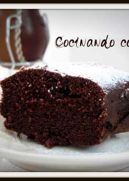 Bizcochuelo de chocolate en microondas
