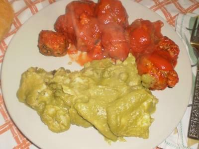 Filetes de merluza en salsa verde de guisantes (microondas)