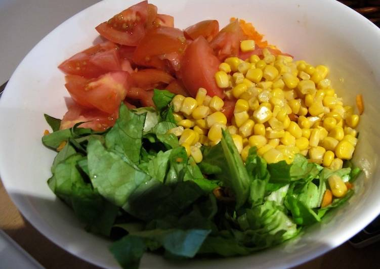Ensalada de lechuga tomate zanahorias y choclo receta de - Ensalada de zanahorias ...