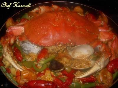 Paella de Nochevieja con mariscos y curry