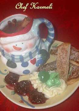 Ponche de frutas navideño con tostaditos dulces especiados