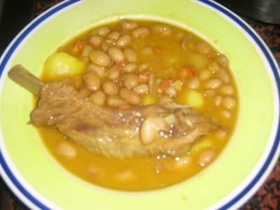 Alubias pintas guisadas receta de anabernal70 cookpad - Guiso de judias pintas ...