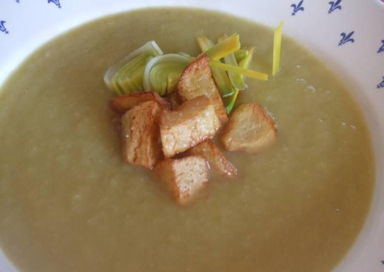 Sopa crema de bacalao y patatas receta de cuqui cookpad - Patatas en caldo con bacalao ...